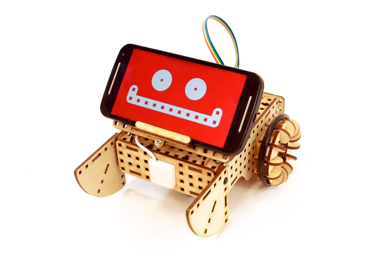 Robot ze smartfonem
